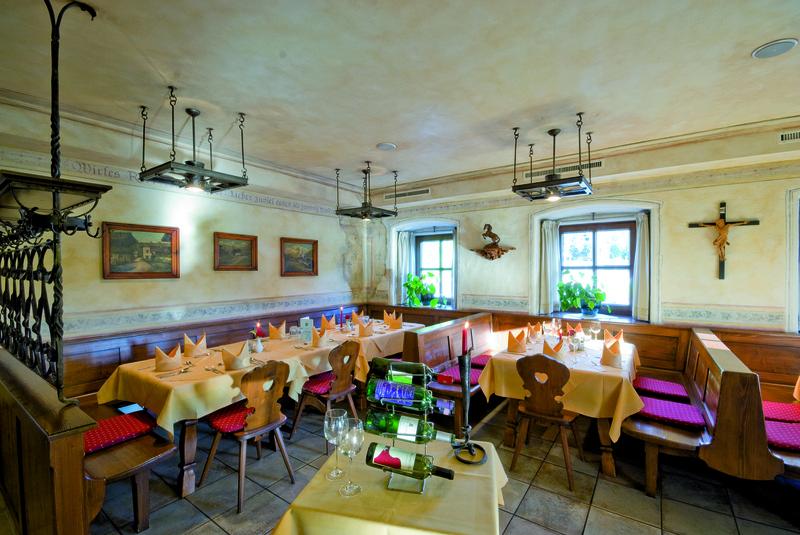 Hotel Restaurant Reitlwirt Brixen Im Thale